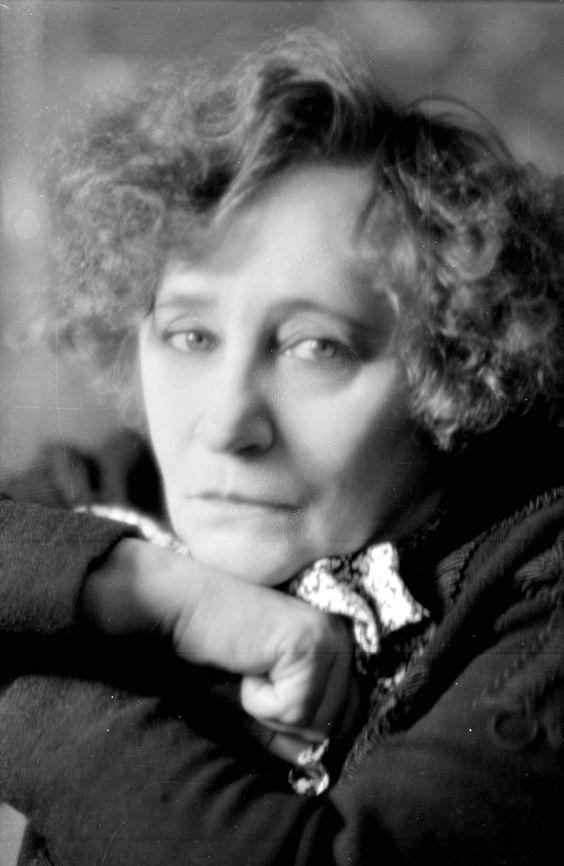 Colette (1873-1954), écrivain français. France, 1939.