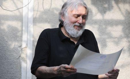 cititi-o-selectie-cu-cele-mai-frumoase-poeme-ale-lui-adrian-paunescu-81293