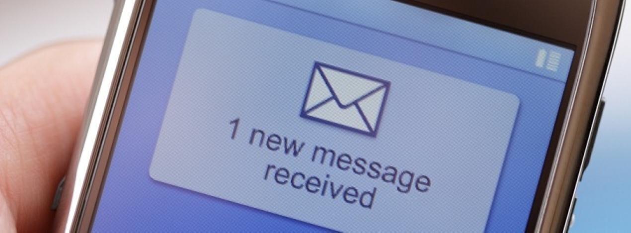 Amanți à quatre și un mesaj text – Victor Chircu