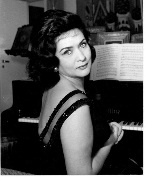 Virginia Zeani foto Arhiva Personala