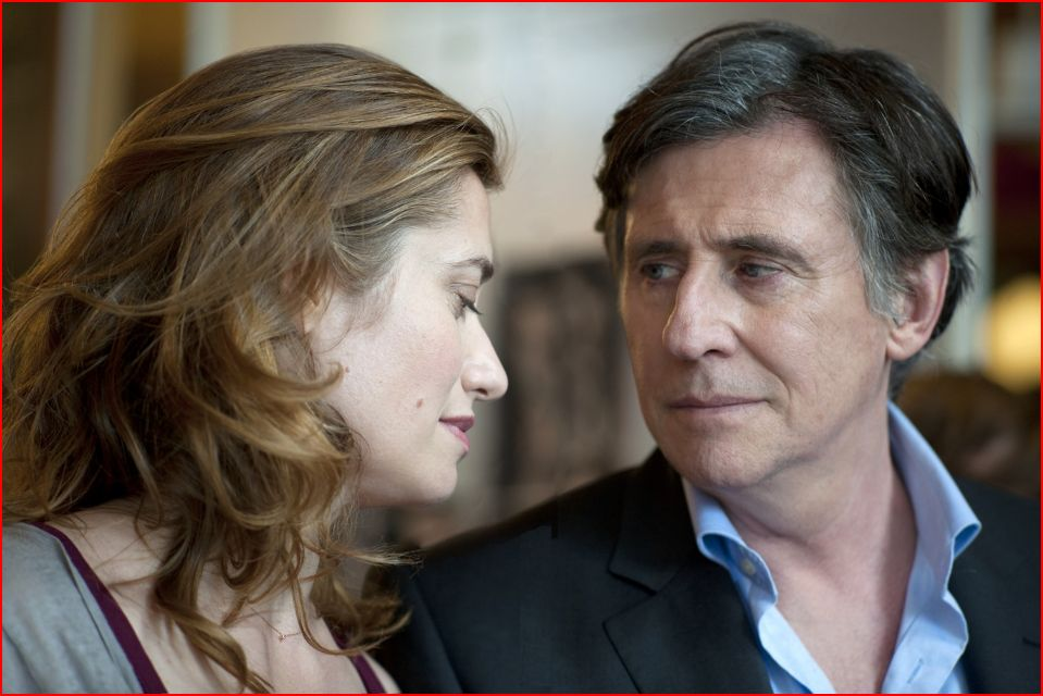 Emmanuelle Devos as Alix and Gabriel Byrne as Douglas ©  Rectangle Productions