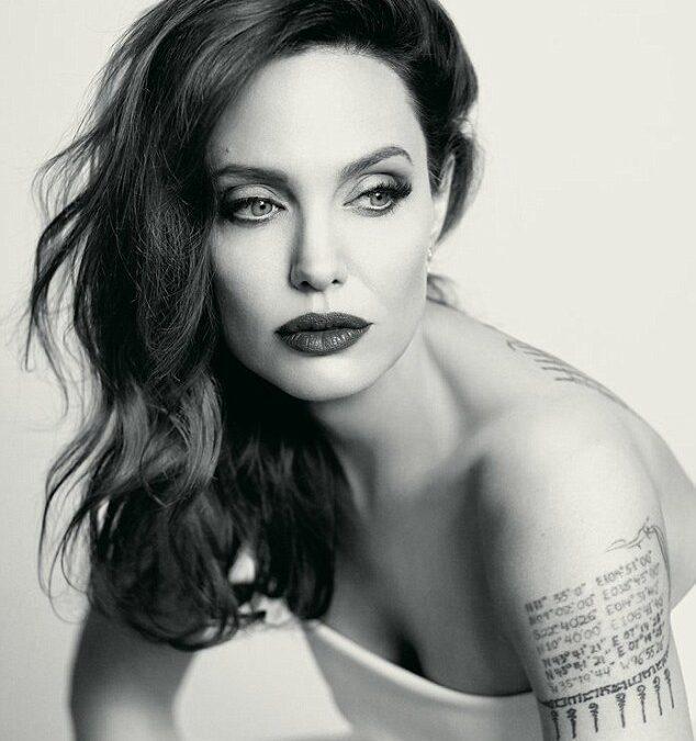"""Angelina Jolie: """"Lasă-mă să-ți văd sufletul"""""""