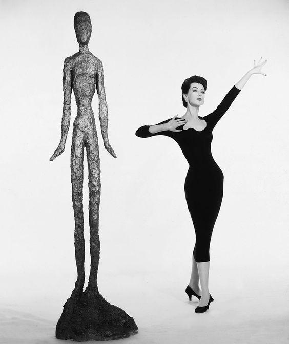 Dovima, 1957