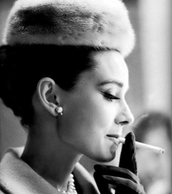 Audrey Hepburn: Smoking Hot!