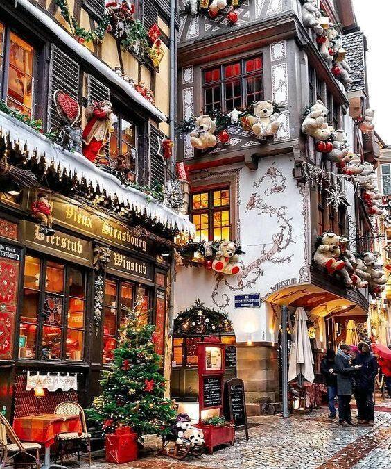 Crăciun fericit, oameni dragi!