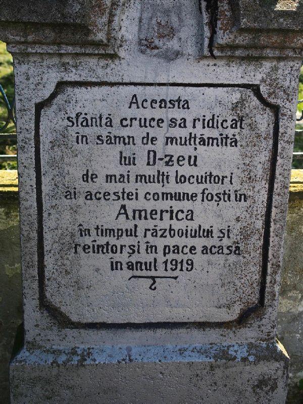 Monument din comuna Ghijasa de Sus, jud. Sibiu. Sursă foto: Scena9