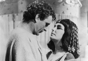 "Elizabeth Taylor și Richard Burton în ""Cleopatra"""