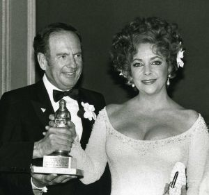 Elizabeth Taylor și Victor Luna