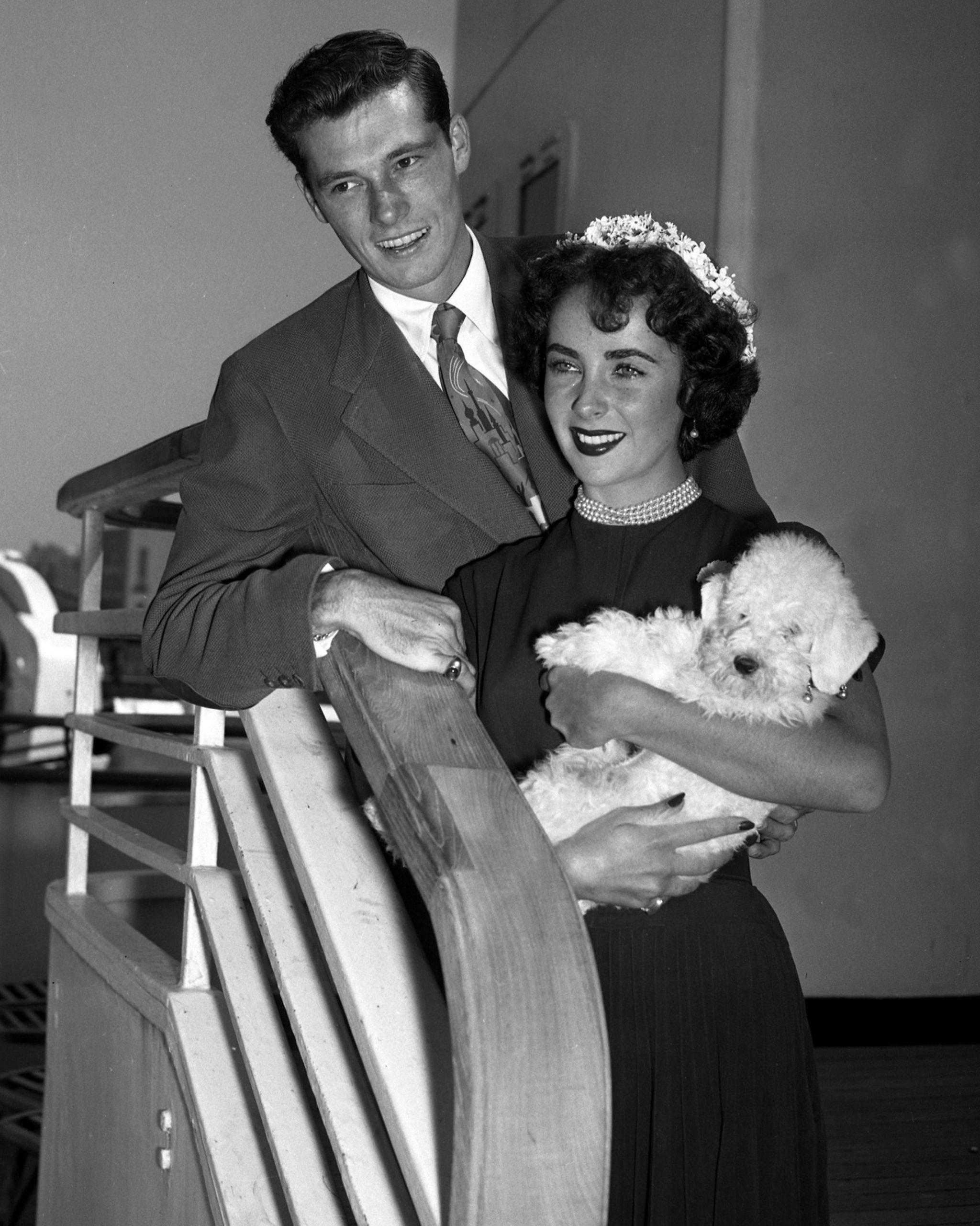 Elizabeth Taylor și Conrad Hilton Jr.