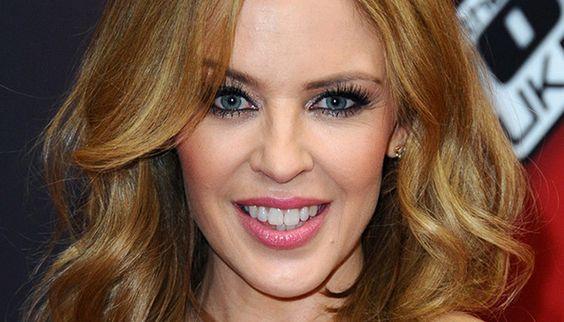 Kylie_Minogue_up