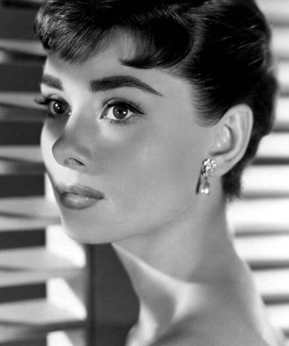 """Audrey Hepburn: """"Pentru copilul din noi toți""""."""