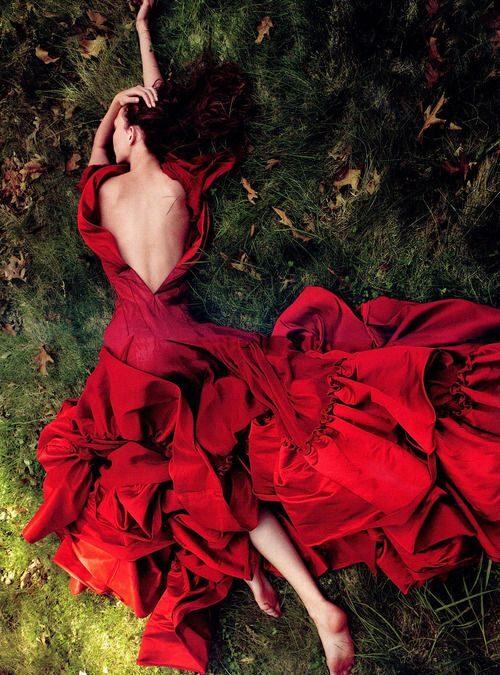 Rochia roșie