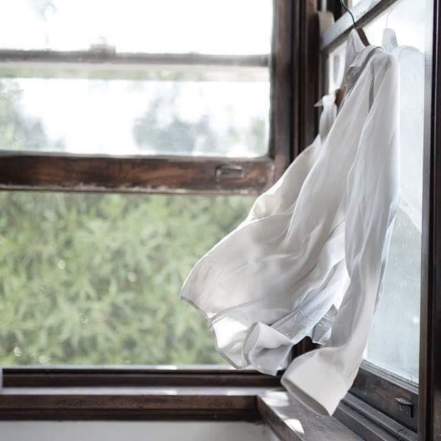 Deschide larg fereastra…